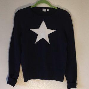 Gap Navy sweater w/white star & silver design sz M